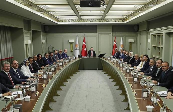 AKP'de kritik MYK toplantısı başladı; Albayrak'ın istifası ele alınacak mı?