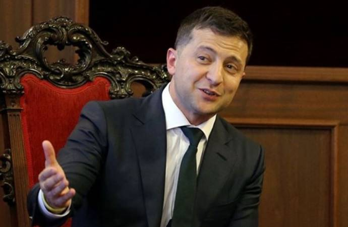 Covid-19'a yakalanan Ukrayna Devlet Başkanı Zelenskiy hastaneye kaldırıldı