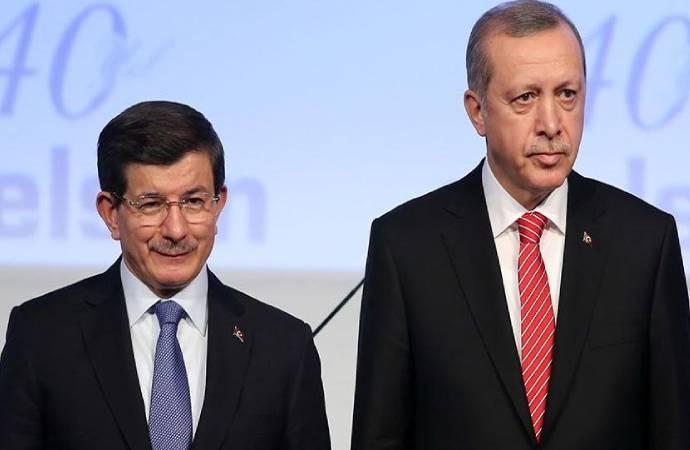 Feramuz Üstün: Davutoğlu ile Erdoğan arasında ilk kavga Arınç'la başladı