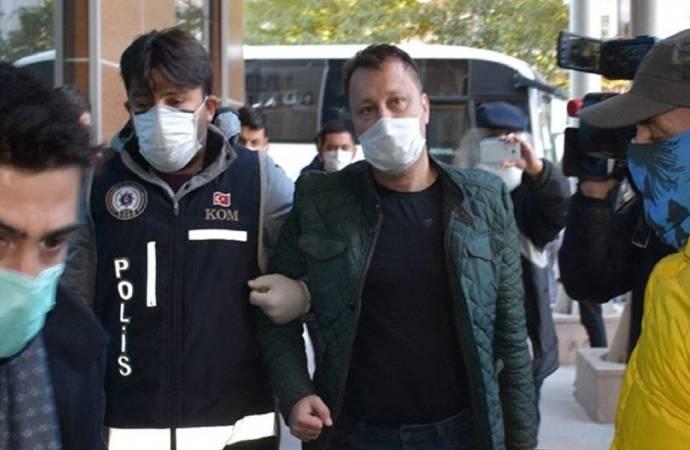 'Zimmet' suçundan Menemen Belediye Başkanı Serdar Aksoy görevden uzaklaştırıldı