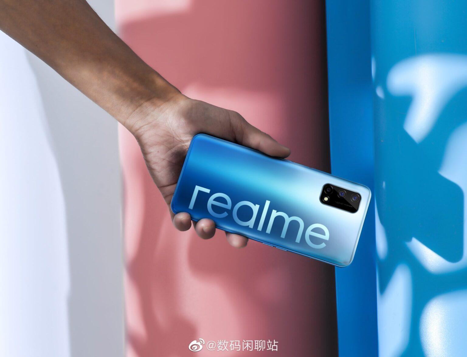 Realme akıllı telefonları peynir ekmek gibi satılıyor