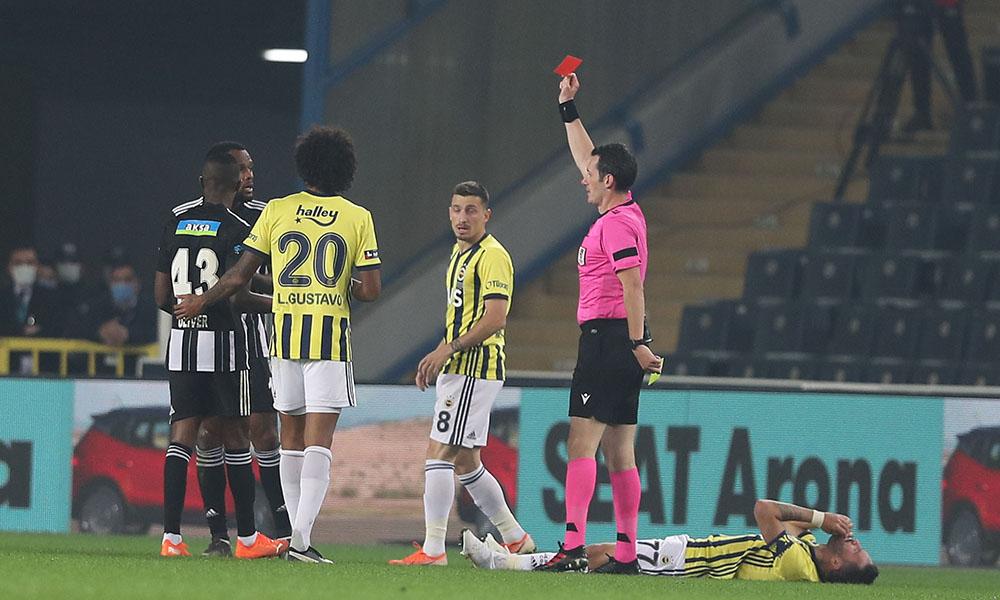 Fenerbahçe-Beşiktaş derbisi sonrası protokol tribünü karıştı