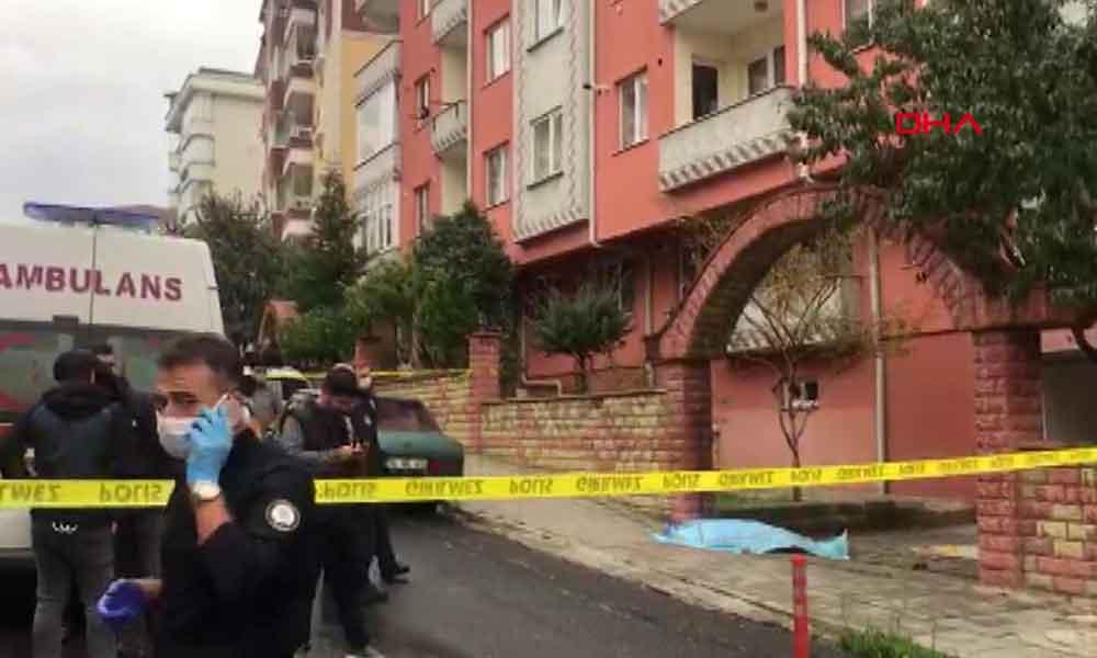 Halı silkelerken balkondan düşerek öldü