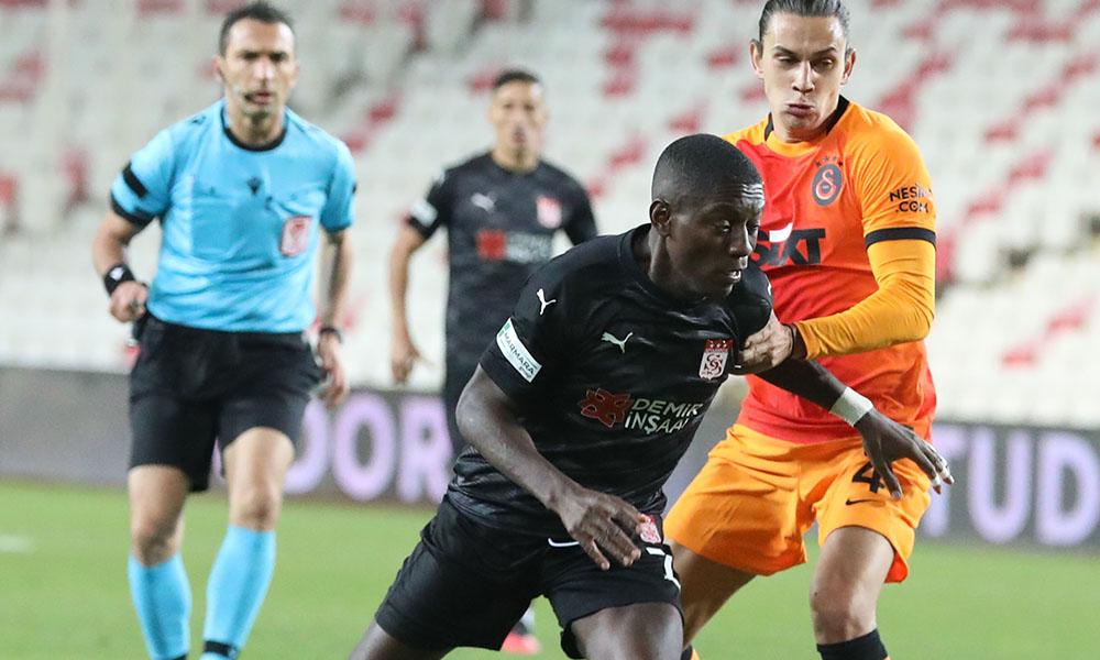 Galatasaray zirveye tutundu! Arda Turan'dan 9 yıl sonra gelen gol