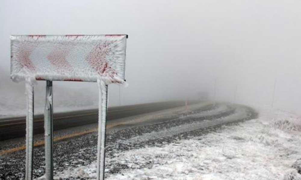 Ardahan'a kar yağdı, yüksek kesimler beyaza büründü