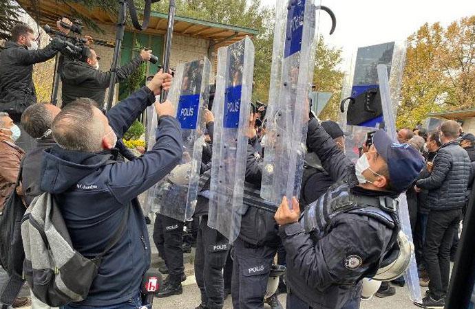 Köle işçilik yasasına direnen DİSK'e meclis önünde polis müdahalesi!