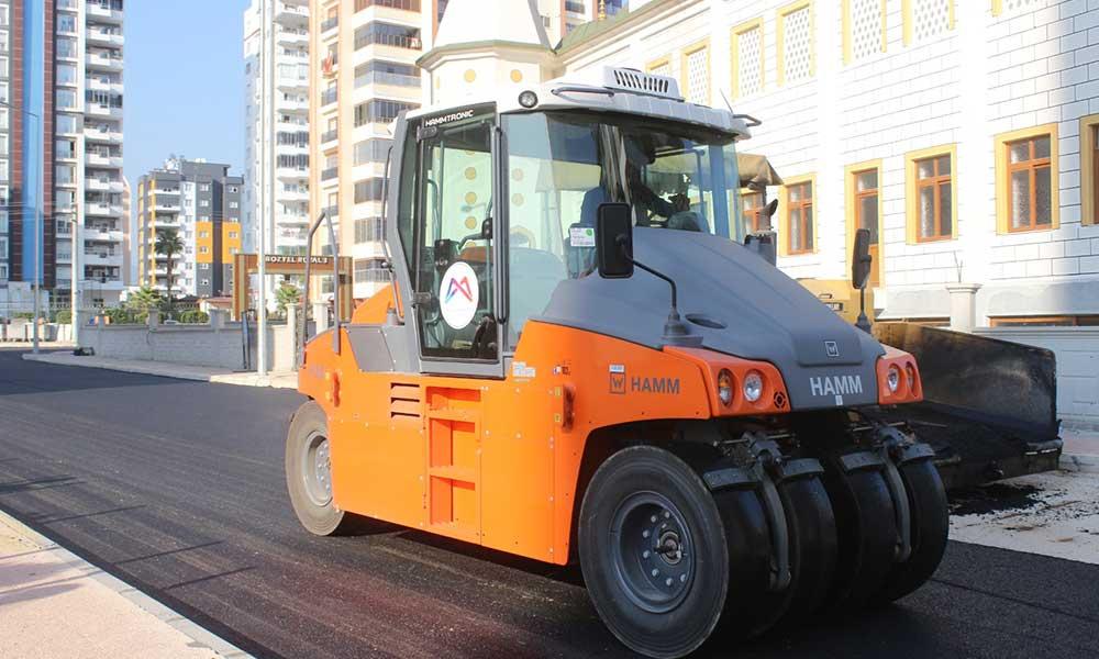 Büyükşehir asfalt çalışmalarına yoğunlaştı