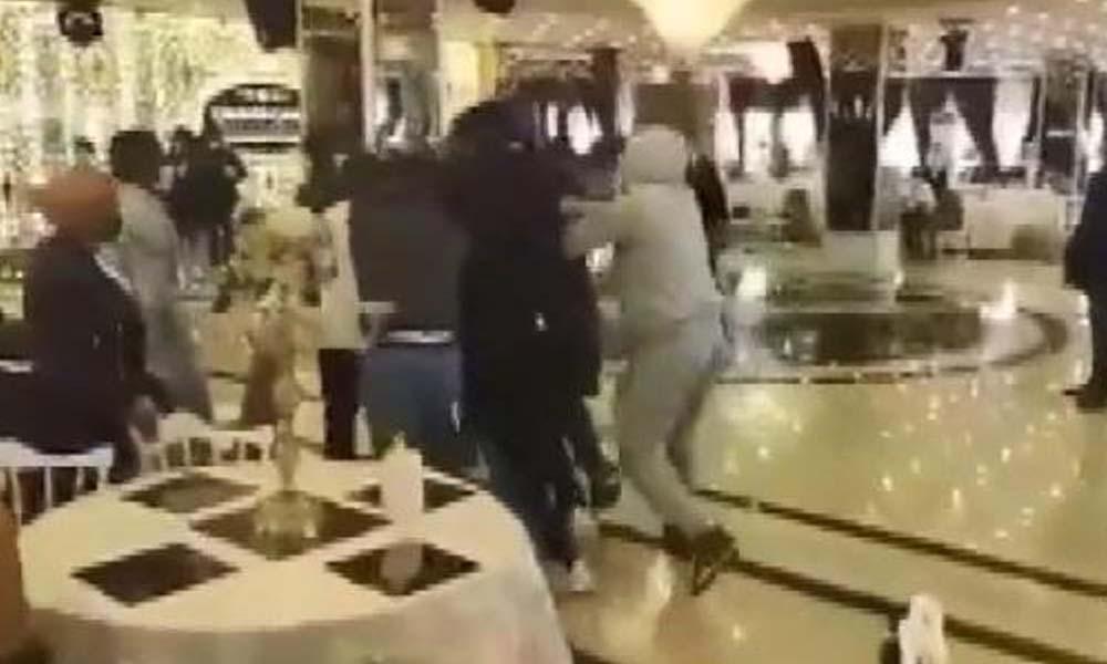 Esenyurt'ta düğün salonundaki ayine polis baskını