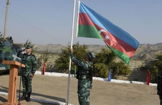 Azerbaycan 27 yıl sonra Ağdam'a girdi