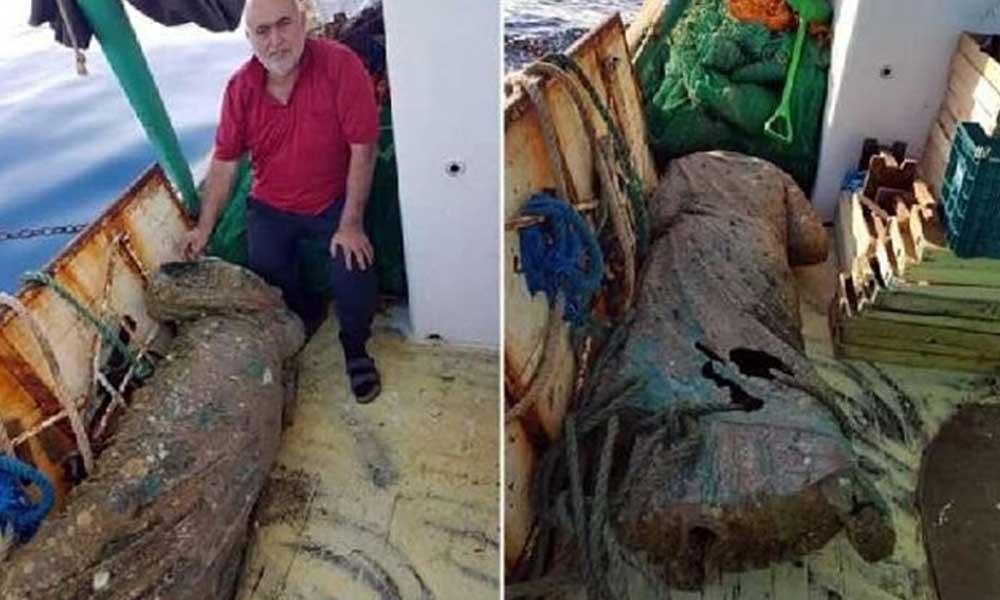 Balıkçıların ağına 300 kilo ağırlığında bronz kadın heykeli takıldı