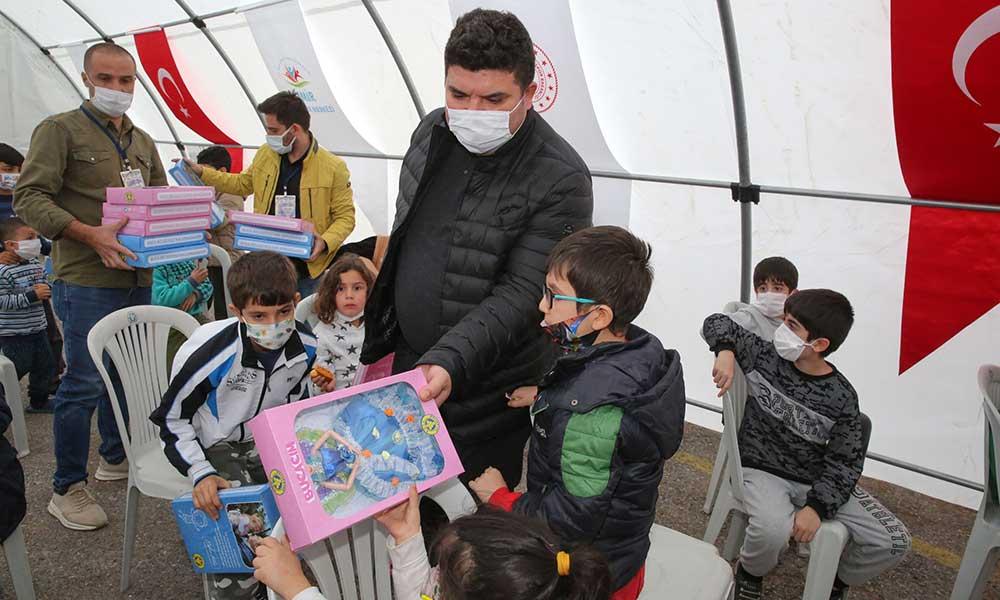Başkan Kılıç depremin çocuklarını unutmadı
