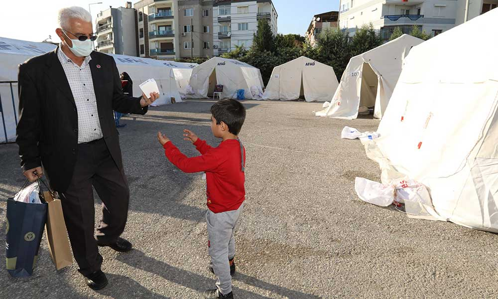 Buca Belediyesi'nden çadır kentte hijyen önlemleri