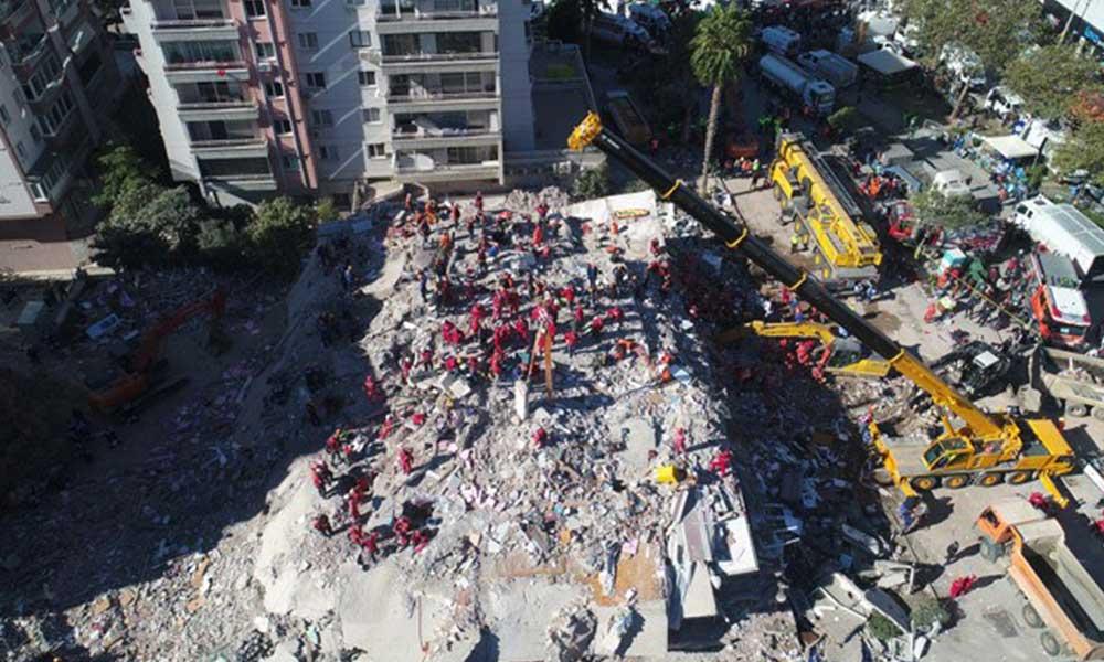 İzmir sallanmaya devam ediyor! 4.1 büyüklüğünde artçı sarsıntı