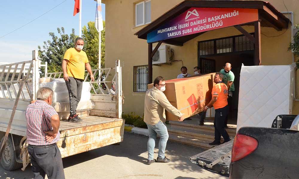 Evleri yanan ailelere Büyükşehir'den eşya desteği