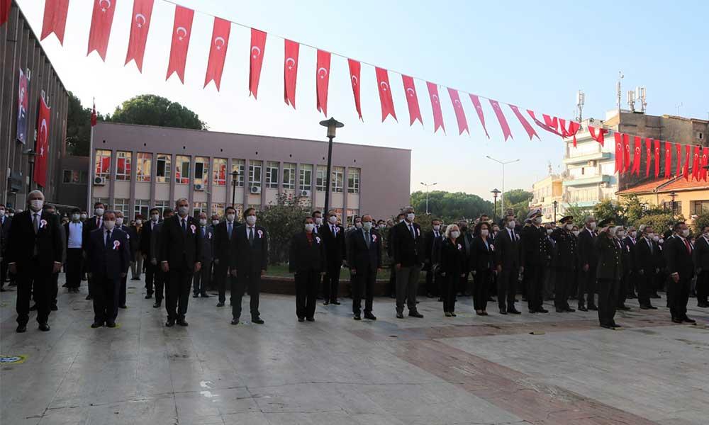 Efeler Belediye Başkanı Mehmet Fatih Atay 10 Kasım programına katıldı