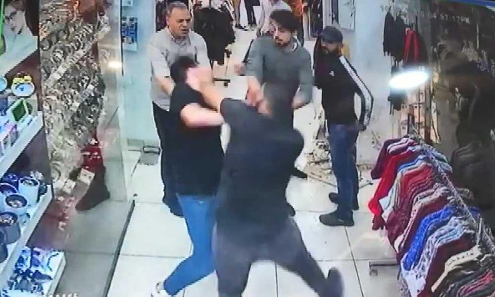 İki grup arasında çıkan bıçaklı kavga kameralara yansıdı