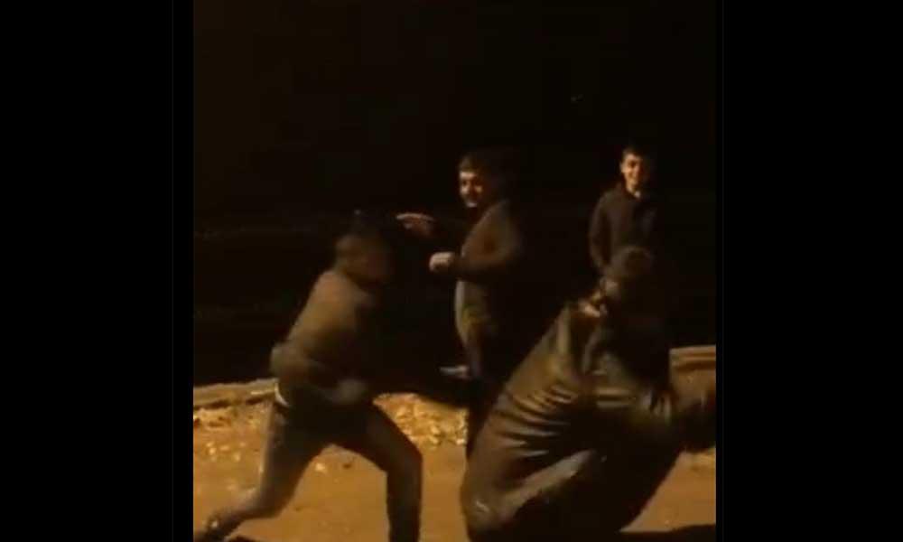 Kısıtlamalara rağmen sokakta 'horan tura' oynadılar