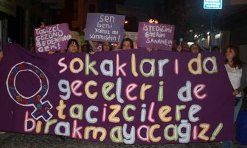 Kadınlar 25 Kasım'da Tükiye'nin dört bir yanında sokakta