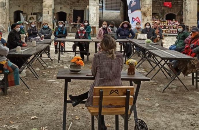 Mersin Büyükşehir'den kadına şiddete karşı farkındalık etkinlikleri