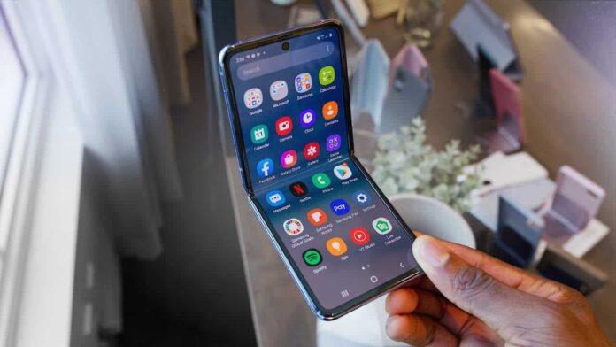 Galaxy Z Flip Lite : Uygun fiyatlı katlanabilir telefon