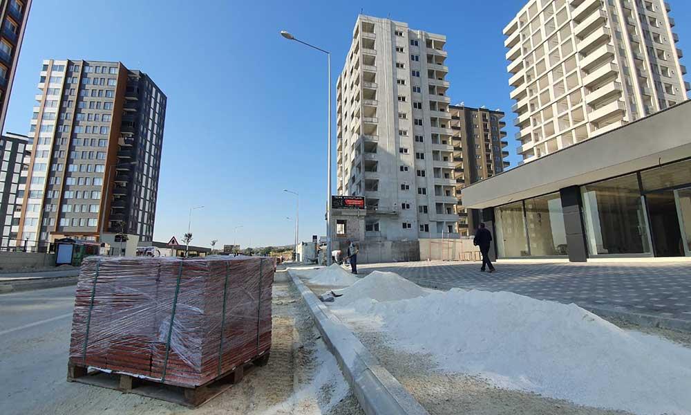 Mersin Büyükşehir hizmetleriyle caddeleri güzelleştiriyor