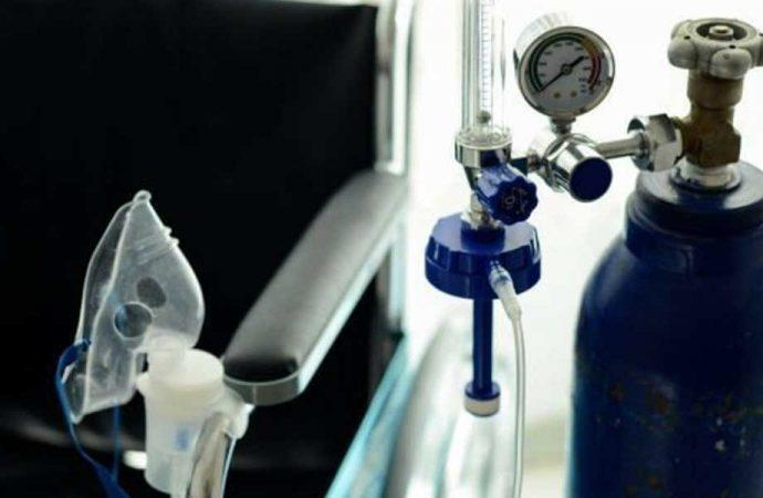 Oksijen tüpüne bağlı koronavirüs hastası sigara içmeye kalkıştı, hastanede yangın çıktı