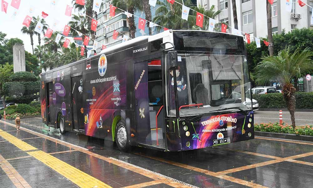 'Teknoloji Otobüsü' kırsaldaki öğrenciler için yola çıkıyor