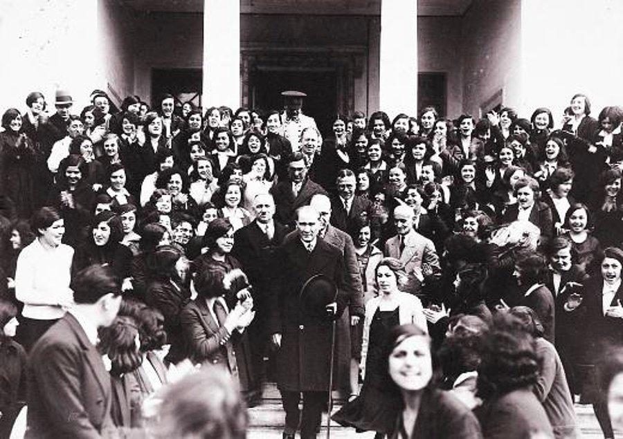 Mustafa Kemal Atatürk ve Muallimler Kongresi