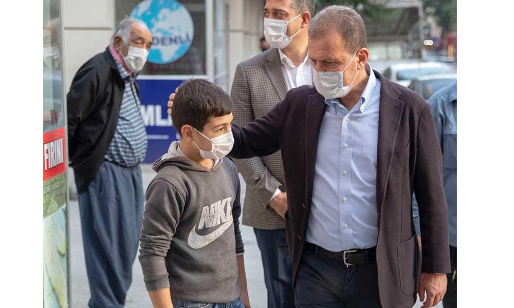 Başkan Seçer, Akdeniz ilçesindeki esnafı ziyaret etti