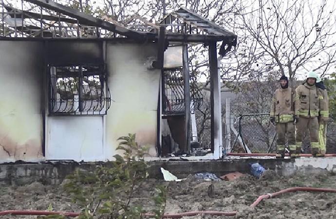 Prefabrik evde çıkan yangında 2 çocuk hayatını kaybetti