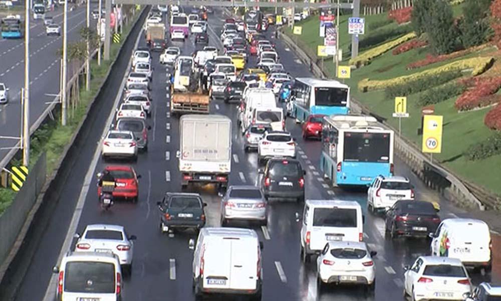 Kısıtlamanın ardında trafik durma noktasına geldi