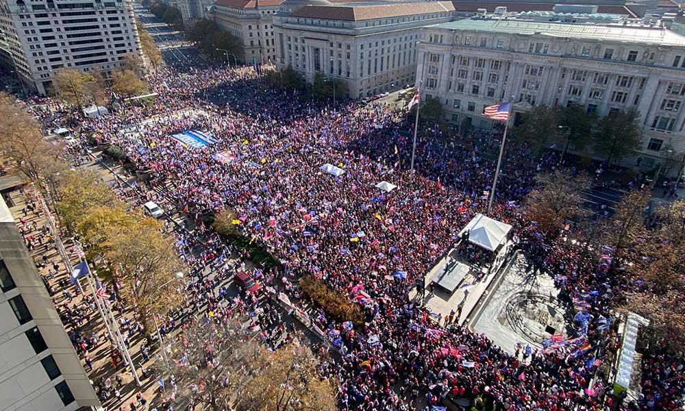 ABD'de 'Trump yürüyüşü': 4 yıl daha
