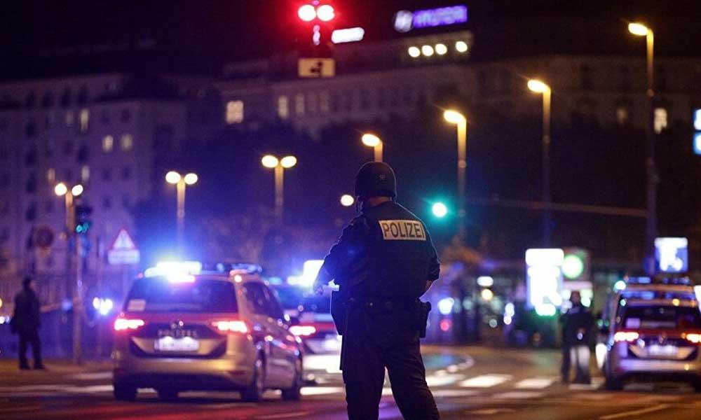 Viyana saldırganının gittiği cami kapatıldı