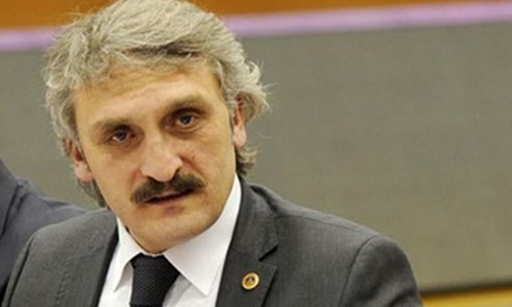 Tarihi çeşmeye babasının adını yazdıran AKP'li 'Yeliz'den pişkin açıklama: Ne var yani bunda?