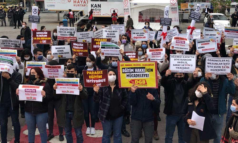 YÖK'ün kuruluşunun 39. yılında Kadıköy'de eylem