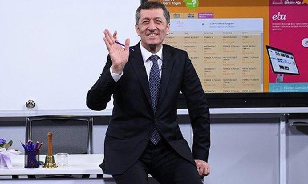 Bakan Selçuk: Türkiye'nin salgın sürecinde eğitimde sağladığı başarı dünyanın takdirini topladı