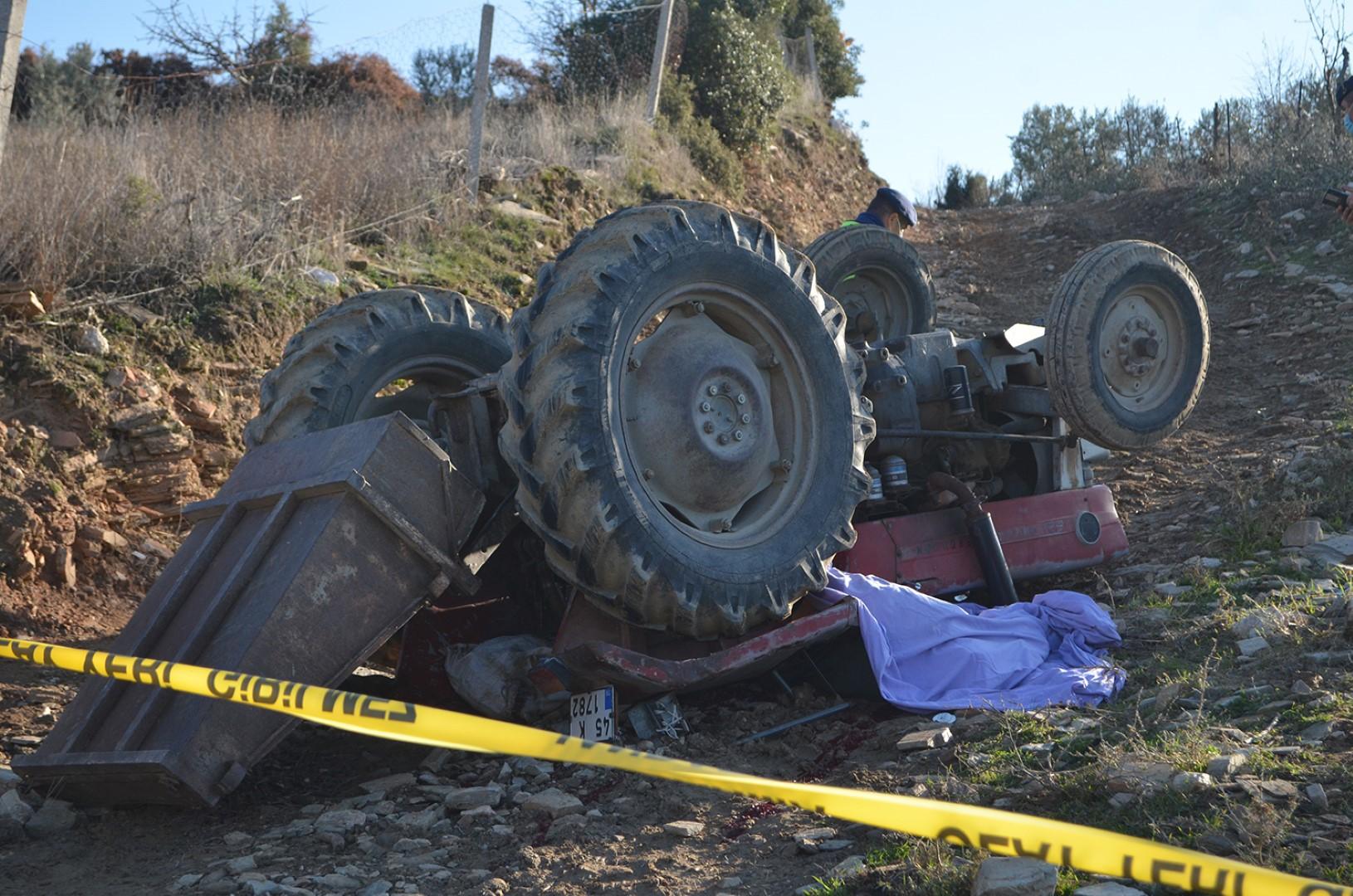 Koronavirüsü atlattı, traktör altında kalarak hayatını kaybetti