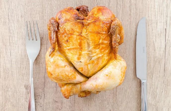 Dünyada bir ilk: Laboratuvarda üretilen tavuk etinin satışı başlıyor