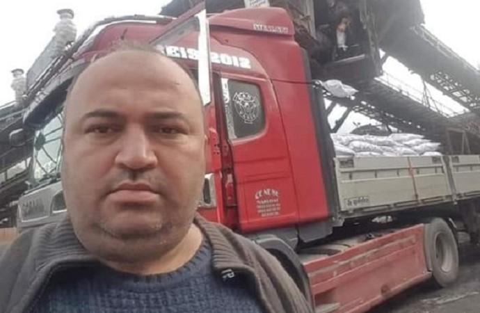 42 yaşındaki işçi yüklediği tomrukların altında kalarak hayatını kaybetti