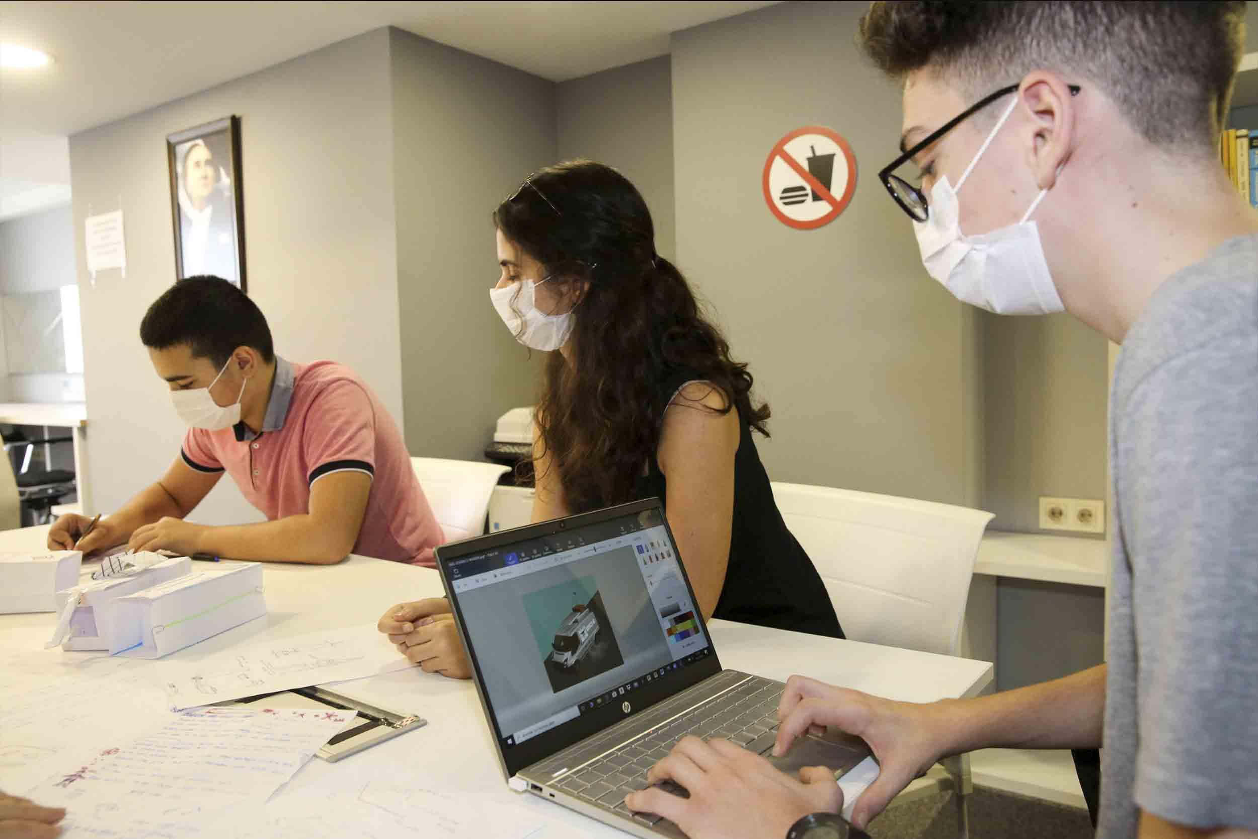 Dünya gençleri bilim ve sanat için Buca'da yarışacak
