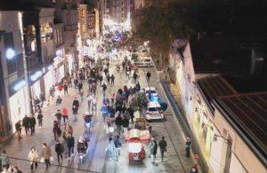 Sokağa çıkma kısıtlaması öncesi İstiklal Caddesi'nde yoğunluk!