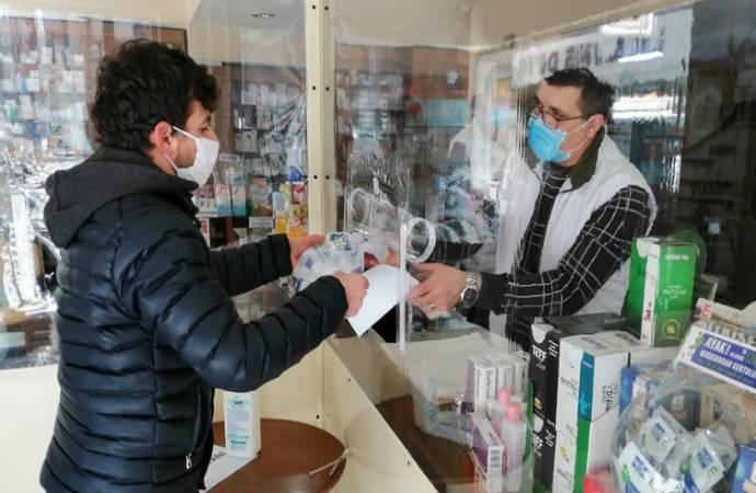 Sağlık Bakanlığı'ndan yeni genelge: Eczacılar 'temaslı' sayılmayacak