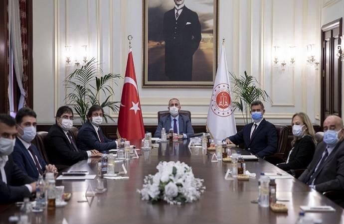 Feyzioğlu'ndan Bakan Gül'e 28 maddelik 'reform' önerisi