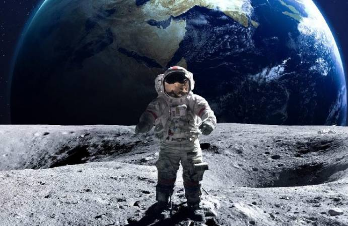 Ay'a gidecek 18 astronotun isimleri belli oldu