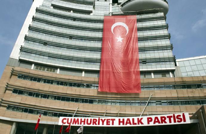 CHP'nin iki kitabına yönelik yasak kararı kaldırıldı