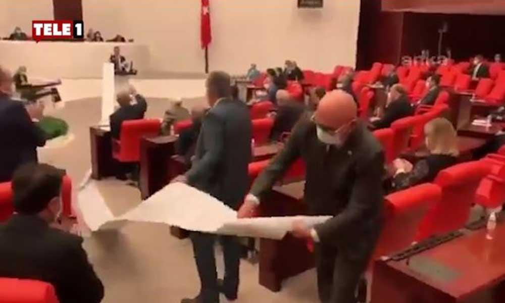 Meclis'te AKP'nin sattıkları kağıda döküldü, 13 metreye sığmadı!