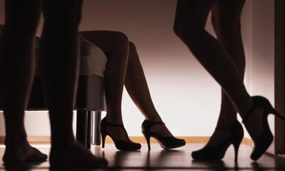 Cinsel ilişki partisine baskın! Katılanlara ceza yağdı