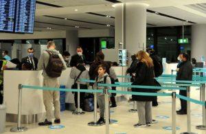 Mutasyona uğrayan korona kabusu! Londra'dan gelen yolculara PCR testi