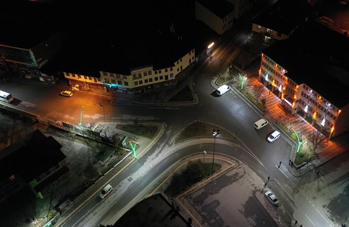 Yurttaşın uyku saatindeki yasakları, Anadolu Ajansı öve öve bitiremedi