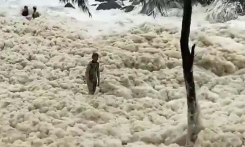Eşsiz görüntü… Halk sahillere akın etti